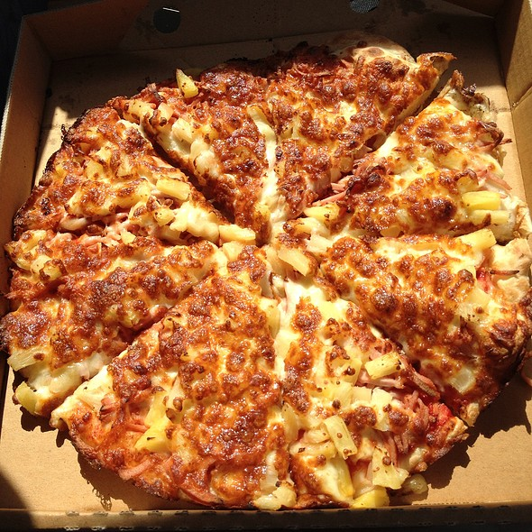 Hawaiian pizza @ Mal's Pizza Bite
