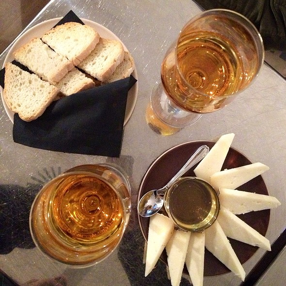 Albana Passita With Pecorino Cheese, Honey And Bread Apart @ No Name