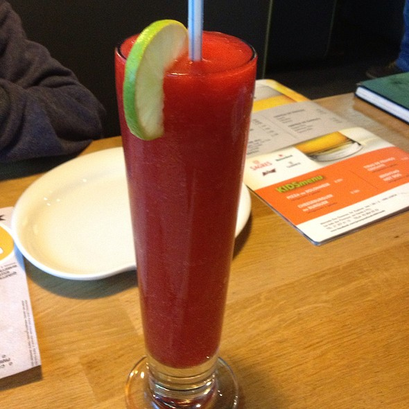 Strawberry Daiquiri @ Jeronymo Food With Friends