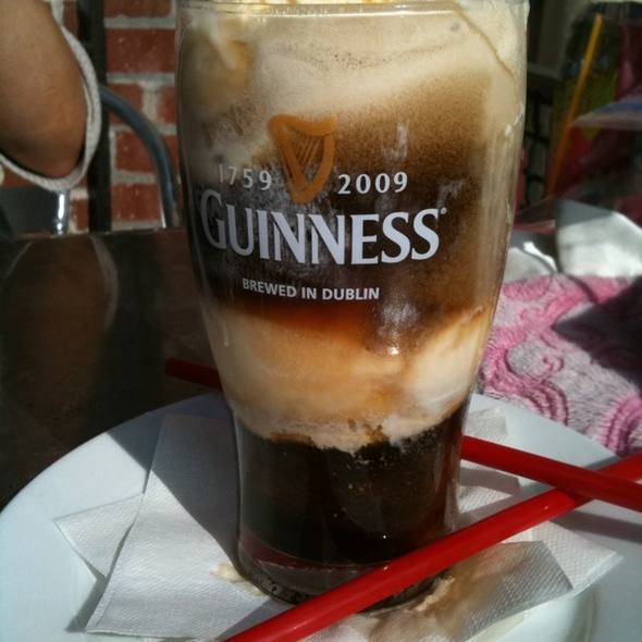 Guinness Float @ Burgers And Brew
