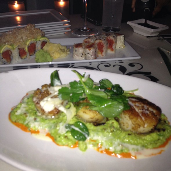 Scallops @ Oya Restaurant & Lounge