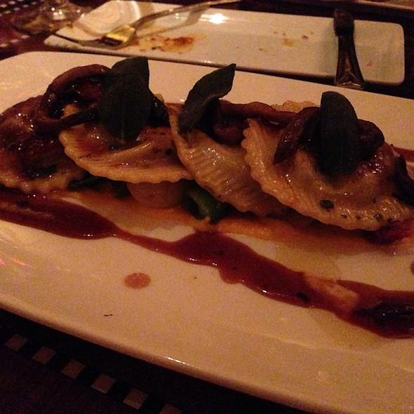 Short Rib Ravioli @ Carthay Circle Restaurant and Lounge