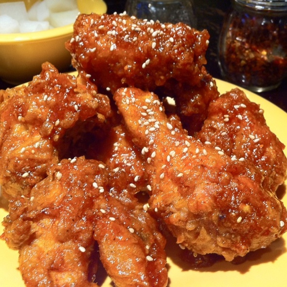 Spicy Garlic Fried Chicken Wings