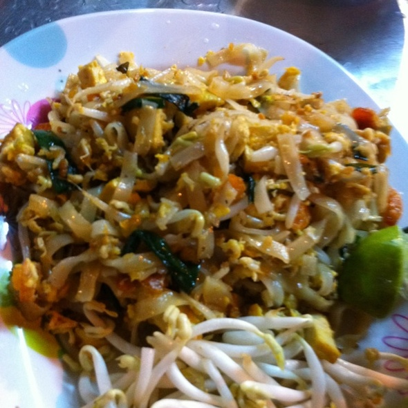 Phad Thai @ Sukhumvit 38 Night Food Stalls