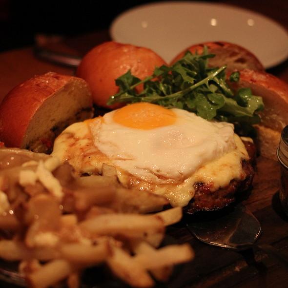 14oz burger - CHARCUT, Calgary, AB