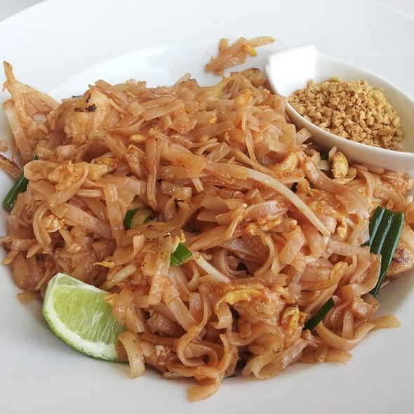 Chicken Pad Thai - Jade Asian Fusion and Sushi Bar, Charlotte, NC