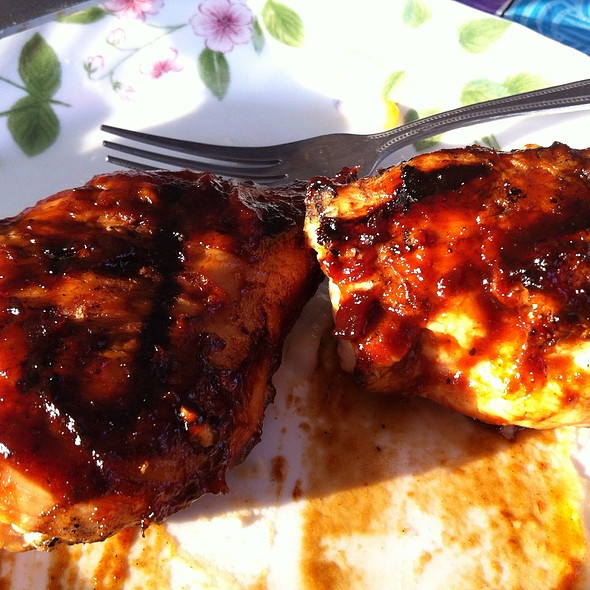 Brian's World Famous Bbq Chicken @ The Smoke Pit