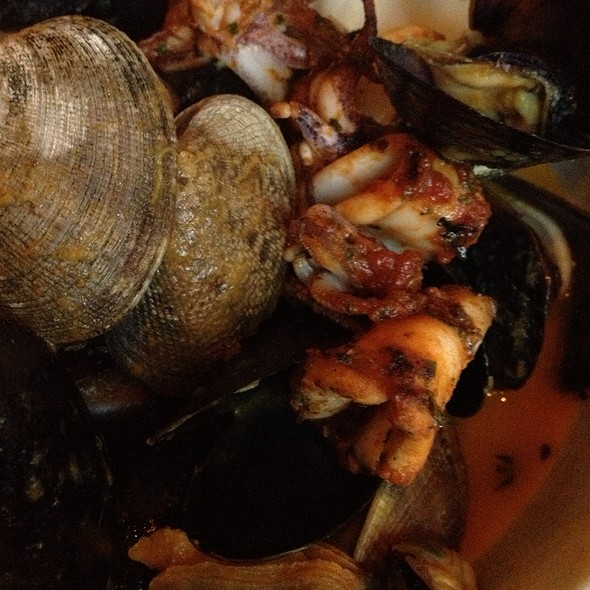 Steamed Clams and Mussels @ Luc