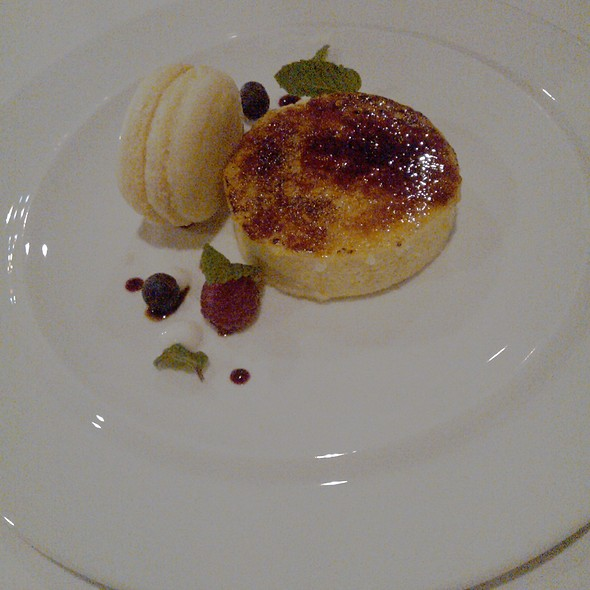Creme brulee and french coconut macaron