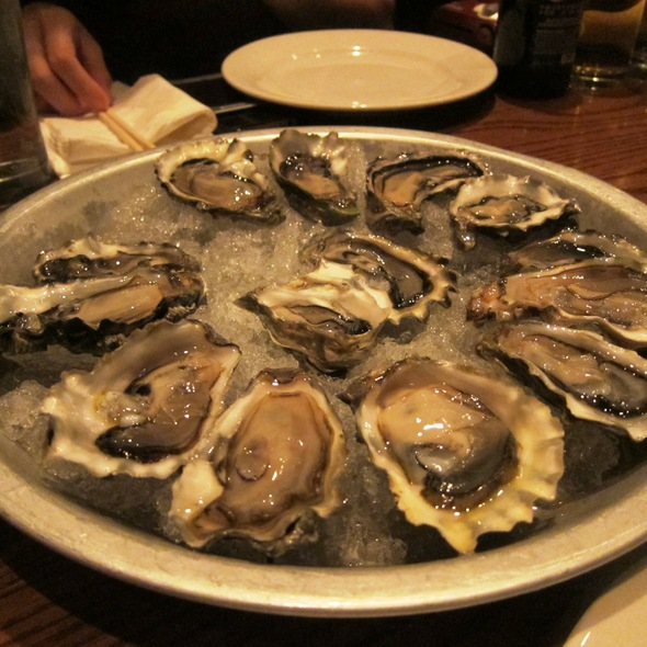 Oysters @ Momofuku Ssam Bar