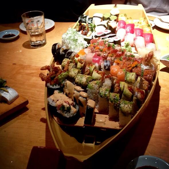 Sushi @ Sushi Zanmai