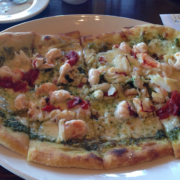 Dungeness Crab and Shrimp Pizza @ Bistro Boudin