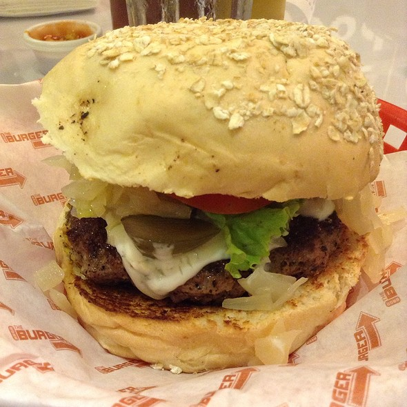 Create Your Own Burger @ The Burger Project