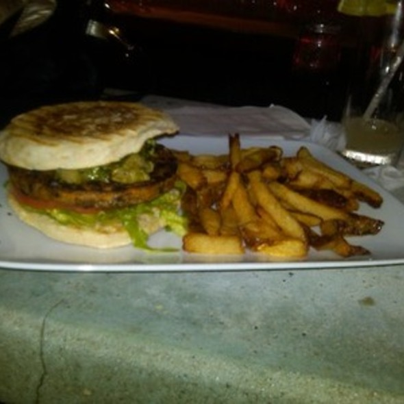 Veggie Burger @ Pianos