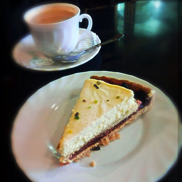 Tarta De Mascapone Y Arandanos @ Café De L Opera