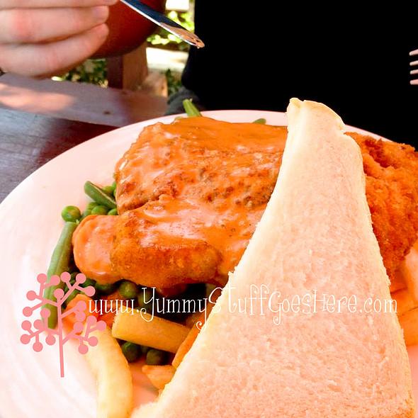 Chicken Schnitzel @ The Farmers Home Hotel