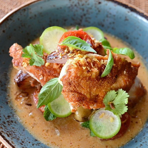 Lemon Grass Chicken With Thai Red Curry @ 'ULU Ocean Grill