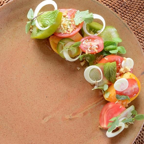 Wow Farms Tomato Salad @ 'ULU Ocean Grill