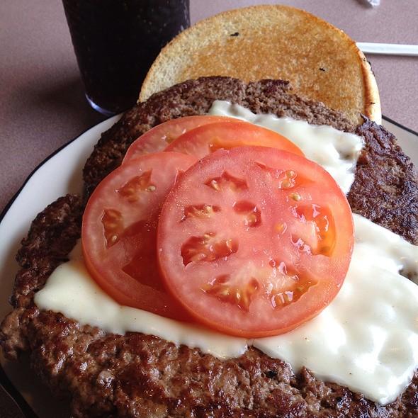 Cheeseburger @ White Haven Family Diner