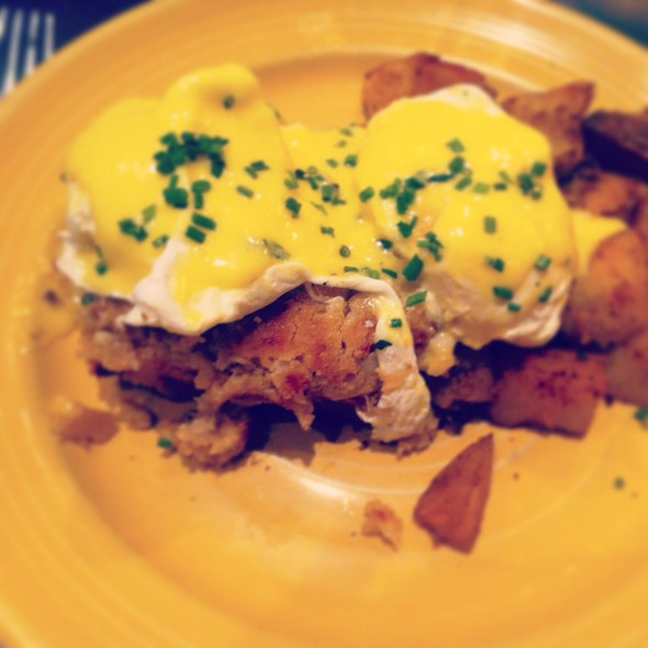 Eggs Benedict - Pond House Cafe, West Hartford, CT