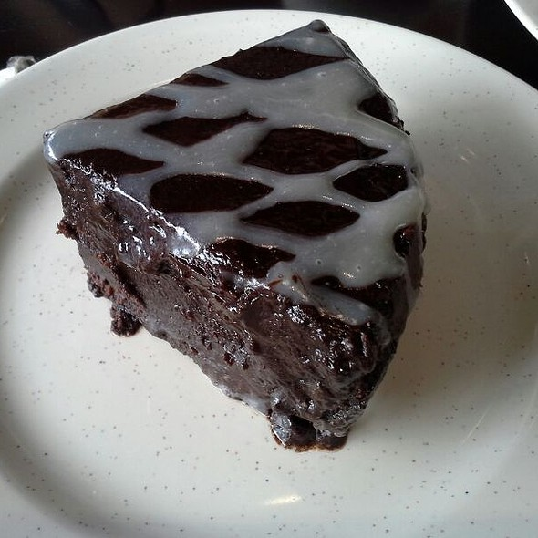 Double Trouble Chocolate Cake @ Ricebowl Victory
