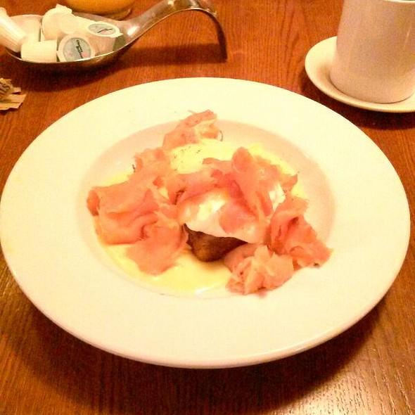 Smoked Salmon Eggs Benedict @ Bistro De Leon