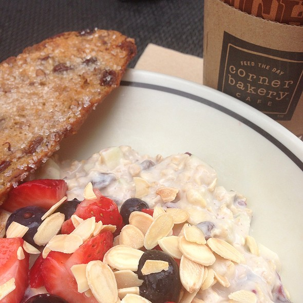Corner Bakery Cafe Berry Almond Swiss Oatmeal