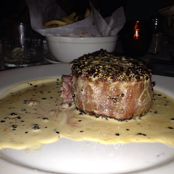 Filet Au Poivre @ The Majestic Grille