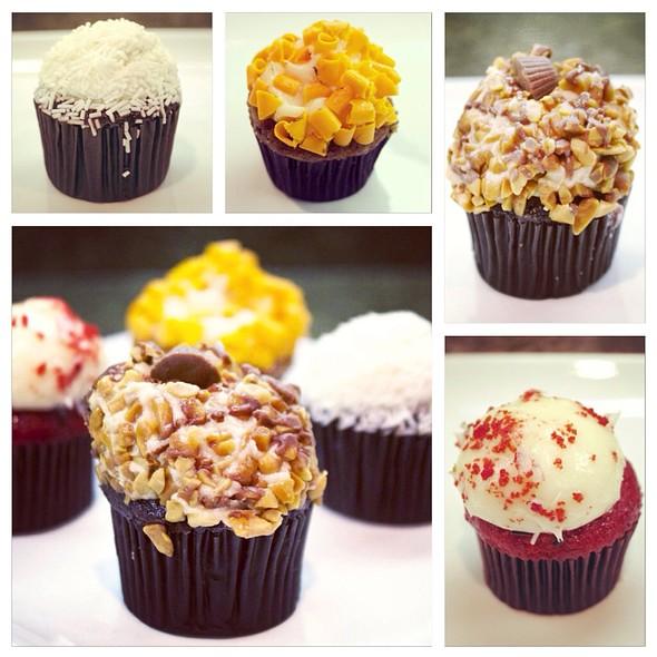 Mini Cupcake Quartet @ Joseph's Classic Market