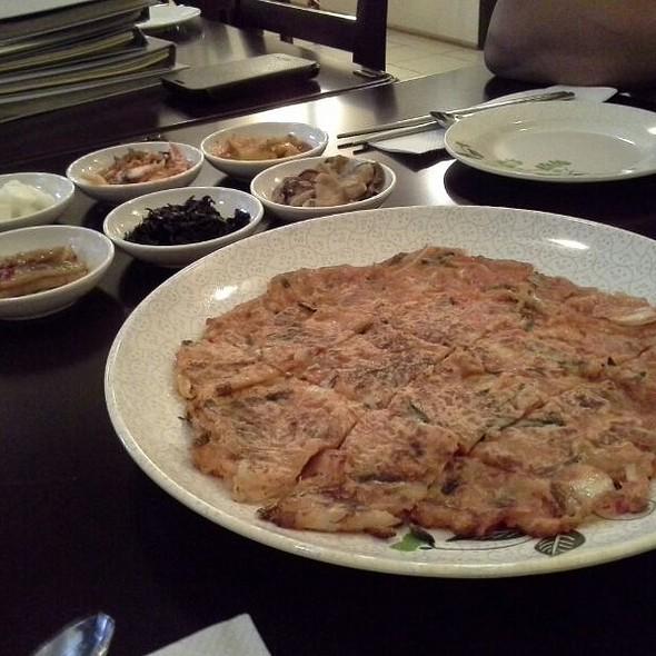 Kimchi Pancake @ YamYam Fried Chicken Korean Food