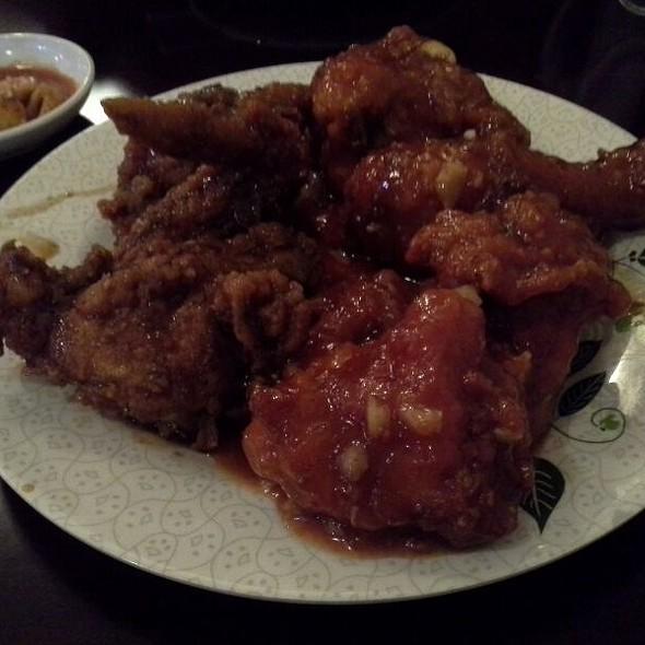 Half Yangnyeom & Half Ganjang Chicken @ YamYam Fried Chicken Korean Food