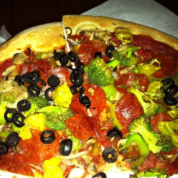 Vegan Pizza @ Reno's Pizzeria & Restaurant
