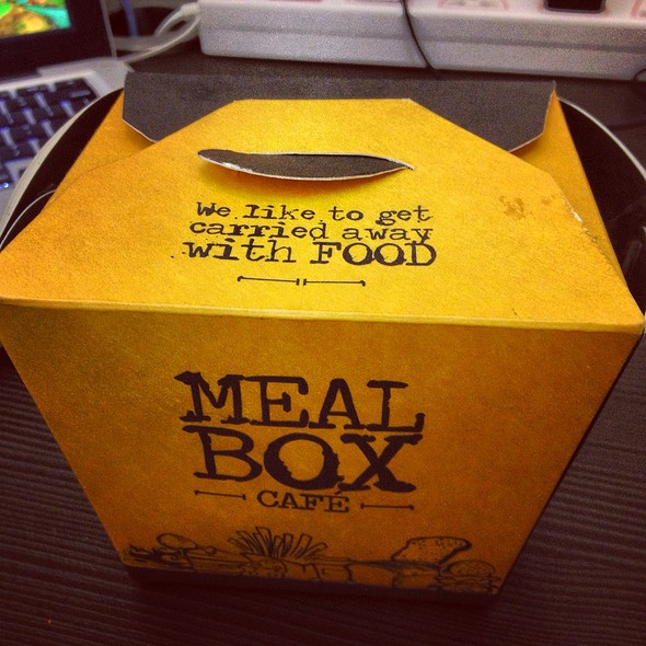 Meal box cafe menu mumbai maharashtra foodspotting for Loves fish box menu