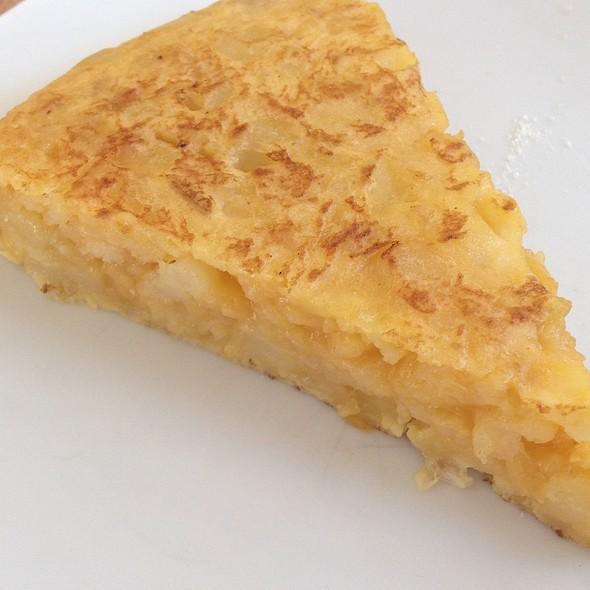 Pincho De Tort @ Cafeteria Manila