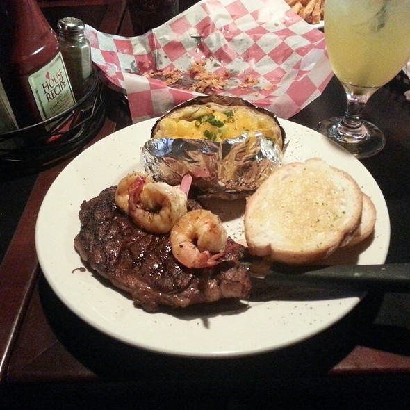 Ribeye Steak @ Chilly Willy's Grill