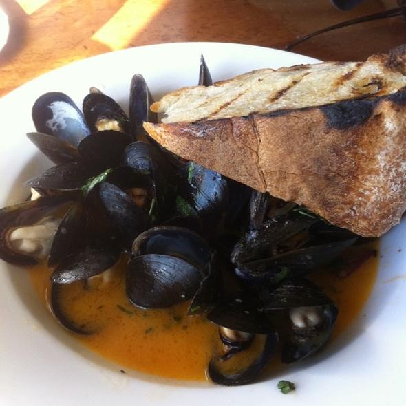 Mediterranean Mussels & Spanish Chorizo @ Beach Chalet