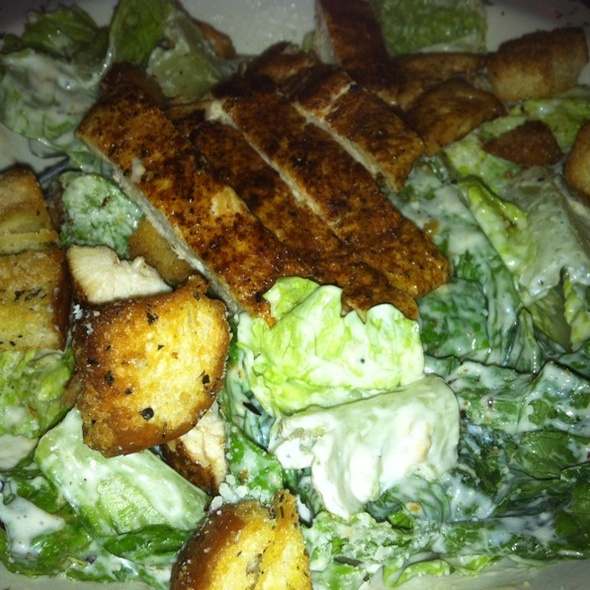 Blackened Chicken Caesar @ Halligan's