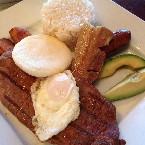 Bandeja Paisa - Don Churro Cafe, Chantilly, VA