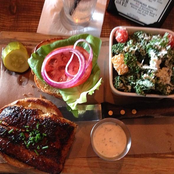 """""""Three"""" Little Piggy Platter @ Tap 42 Bar & Kitchen"""