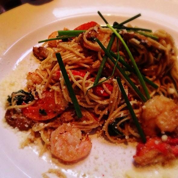 Lobster Garlic Noodles @ Yardhouse