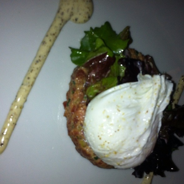 steak tartare @ Grand Café Metropole B.V.