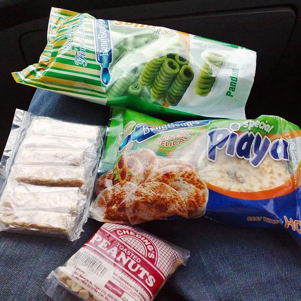 Delicacies @ BongBong's Piaya and Barquillos - Factory