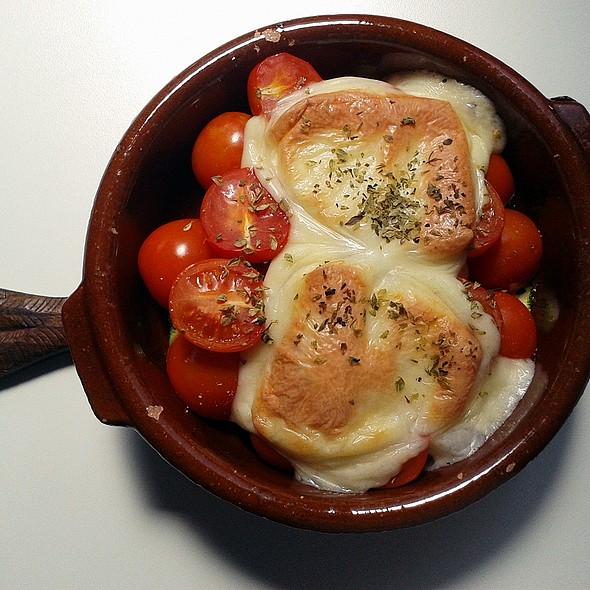 Cherry tomatoes, zucchini and provolone @ Churchilita solita