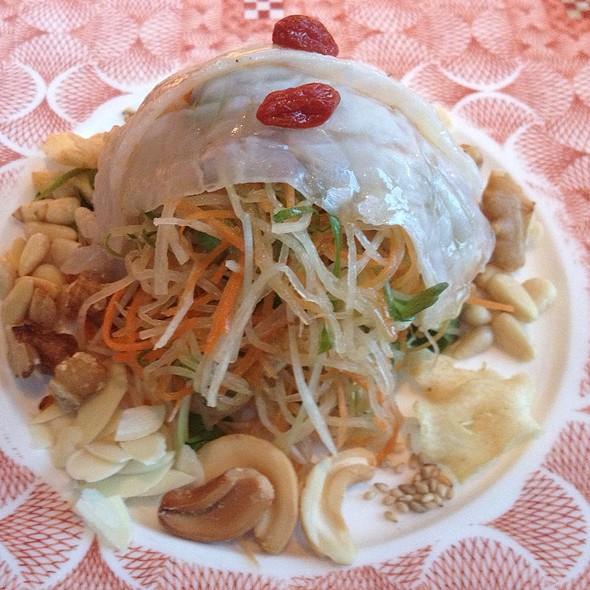 Megu Oriental Salad