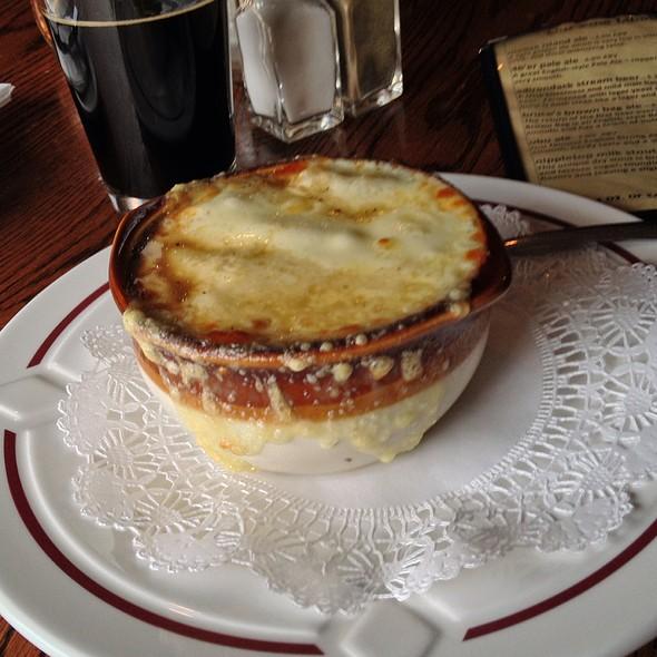 Ale & Onion Soup @ Lake Placid Pub & Brewery