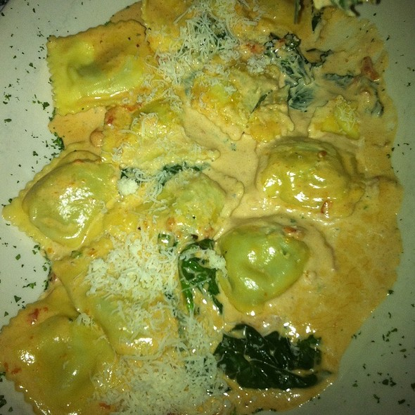 Spinach & Four Cheese Ravioli - Francesca's Intimo, Lake Forest, IL