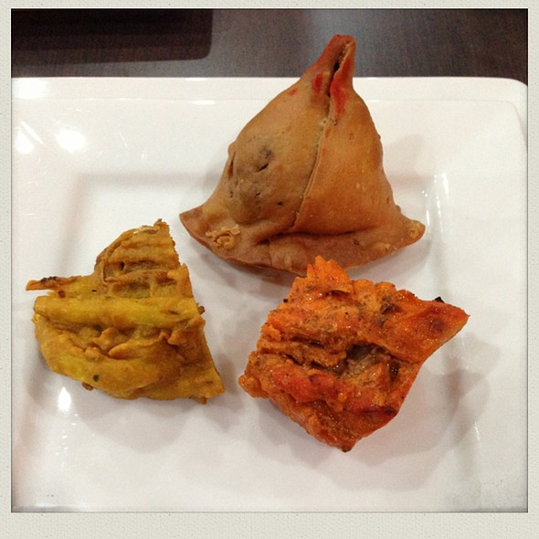 Meat Samosa, Onion Bhaji And Chicken Tandoori