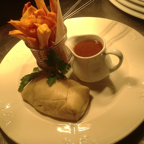 Lancashire Rag Rolled Suet Pudding With Oxtail Gravy And Triple Cooled Chips