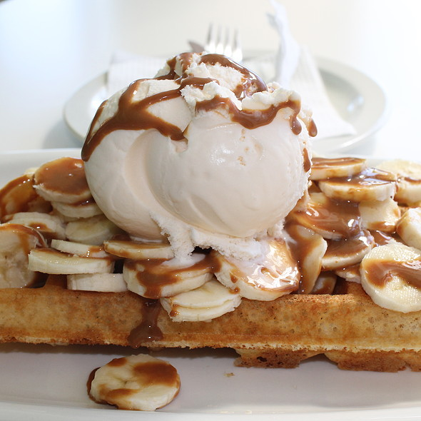 Belgian Waffle with Ice cream, Bananas and Caramel Sauce @ Belgian Waffles