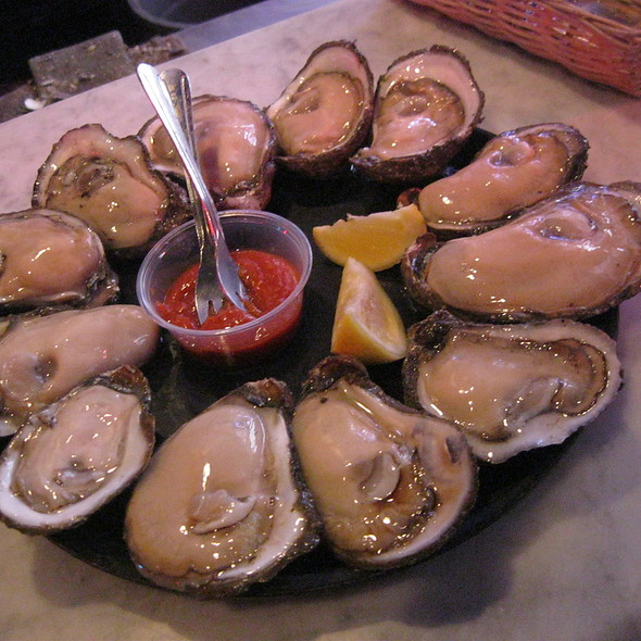 Oysters @ Acme Oyster House